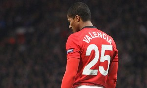 Antonio-Valencia-playing--001